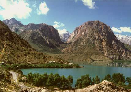 Iskander-Kul lake. Tajikistan photos