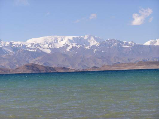 Lake Kara-Kul. Tajikistan photos